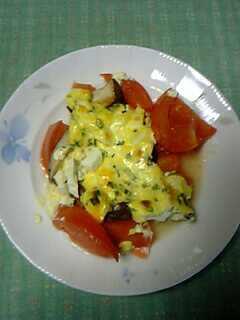 椎茸とトマトのマヨたま焼き